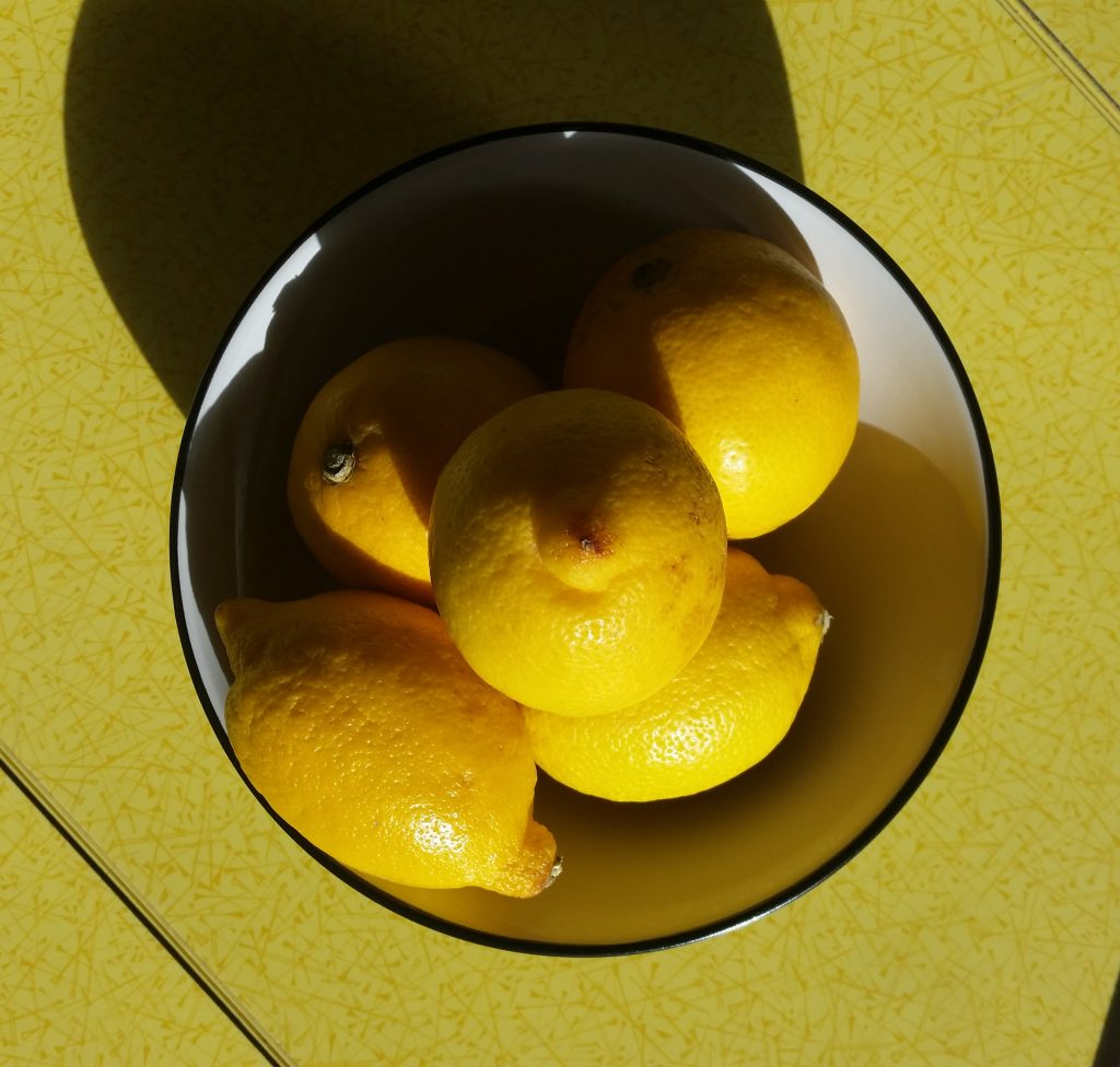 I bought 5 lemons for 5 pence each with my last supermarket shop - click on the picture to read 5 more frugal things I did this week!